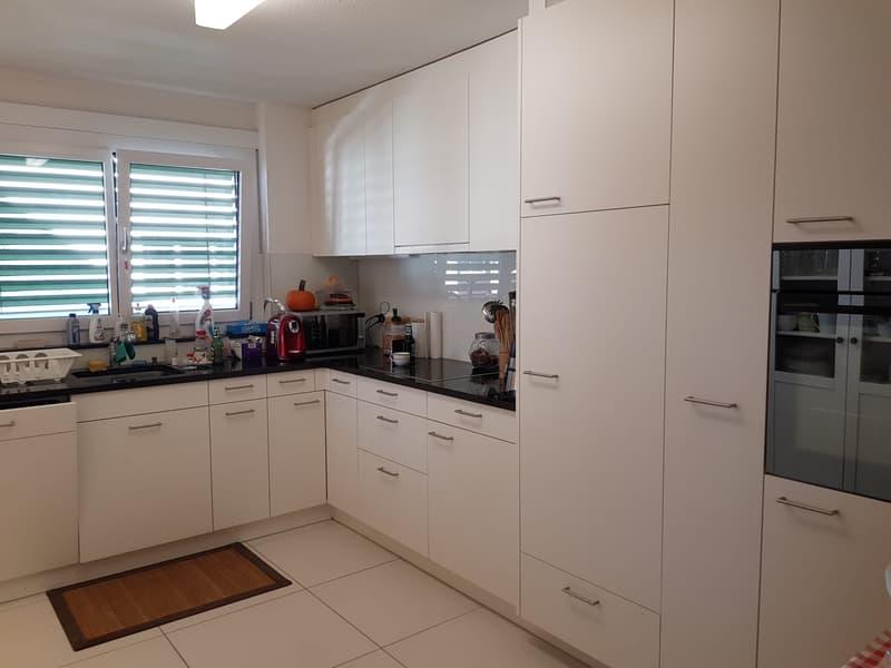 Familienfreundliche,Grosszügige und helle Wohnung im Grünen (nur 17 Km vom Zurich)