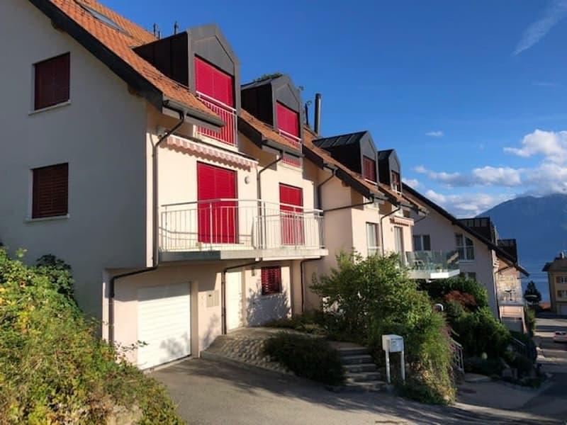 Belle villa mitoyenne de 190m2 répartis sur 4 étages, située dans un quartier calme de Chexbres, charmante commune de Lavaux.