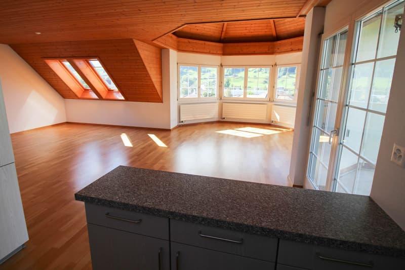 4.5-Zi. Dachwohnung - Wohnen im Türmli mit traumhafter Aussicht