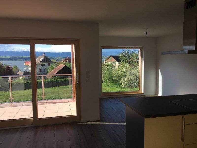 Appartement spacieux avec une vue magnifique sur le lac ! Loyers offerts jusqu'à la fin mars 2020 !