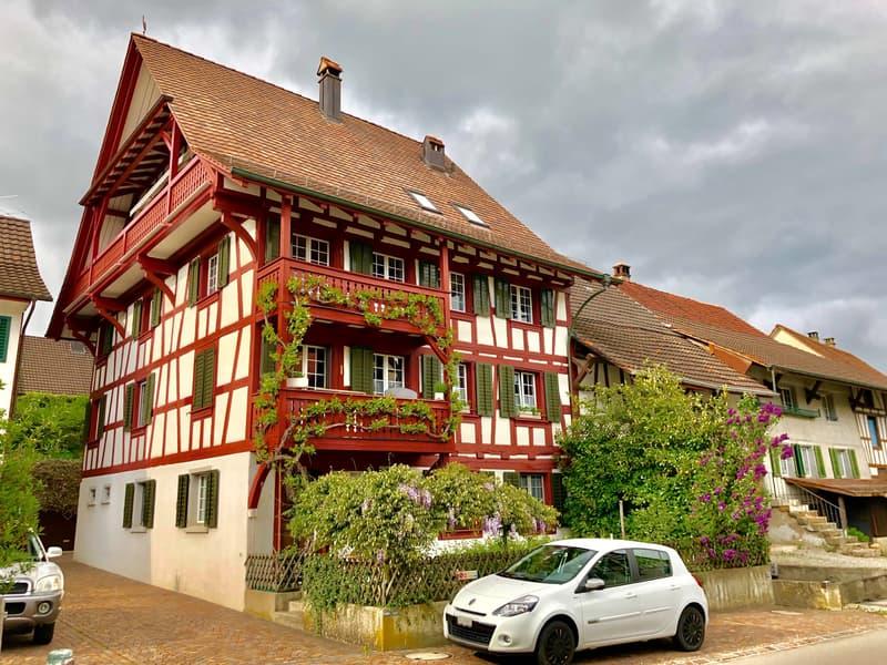 Schöne 5-Zimmer-Maisonette-Dachwohnung mit Balkon