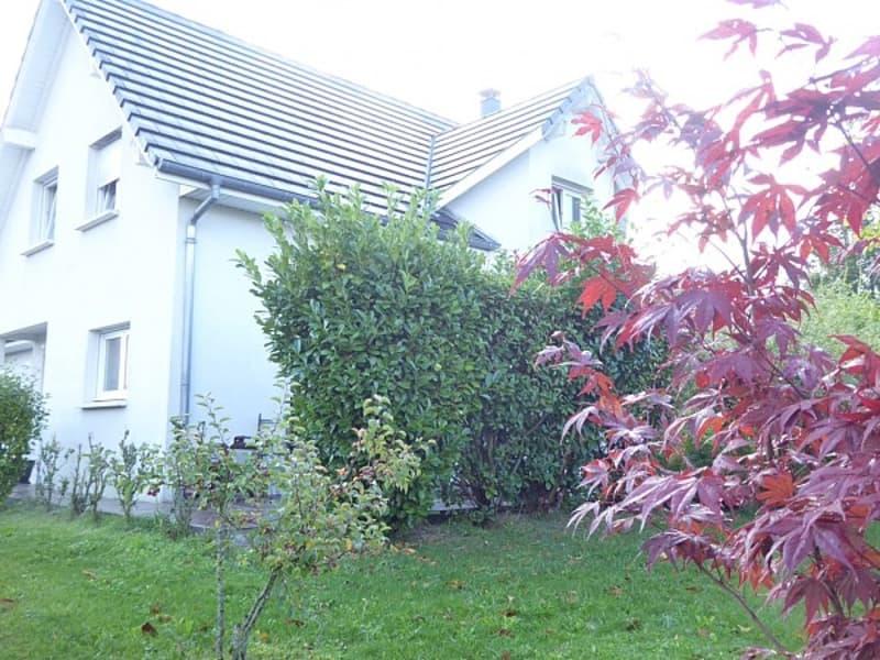 Réf: 9695*** Sect. Sierentz, à 5 min de la gare et Autoroute: Maison contemporaine env. 140 m²