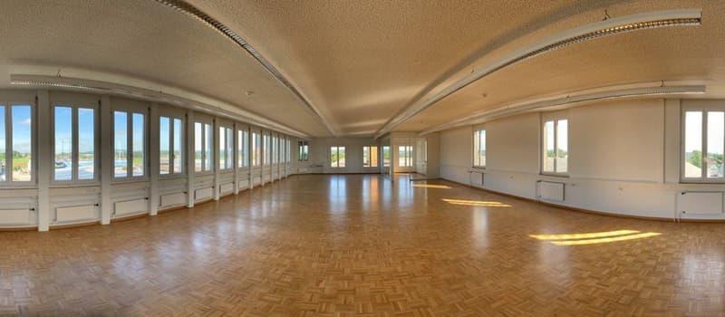 Helle Büro- / Praxis- oder Vereinsräume zu vermieten