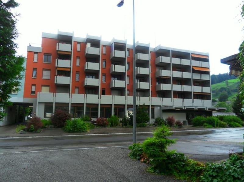 Idyllisch ruhig - Wohnen in einer 2.5 Zimmer-Wohnung mit Balkon