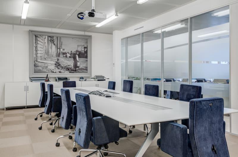 608 m² de bureaux à louer immédiatement (2)