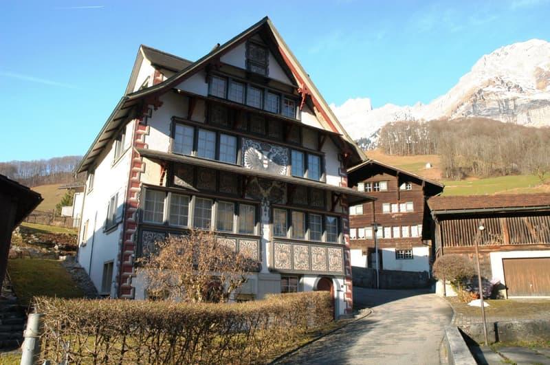 Einfamilienhaus mit historischem Hintergrund