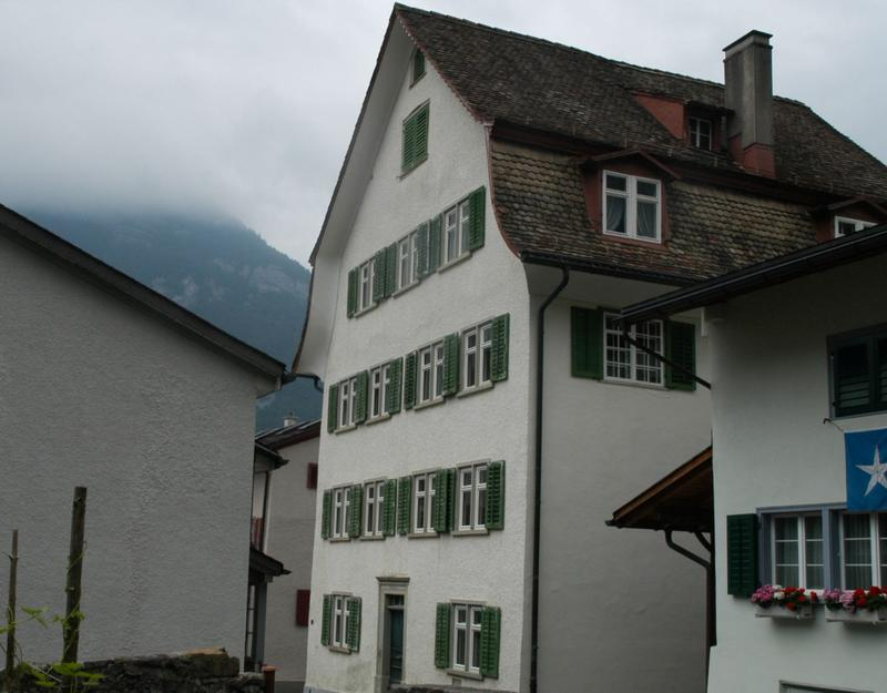 Mehrfamilienhaus in Glarus Nord