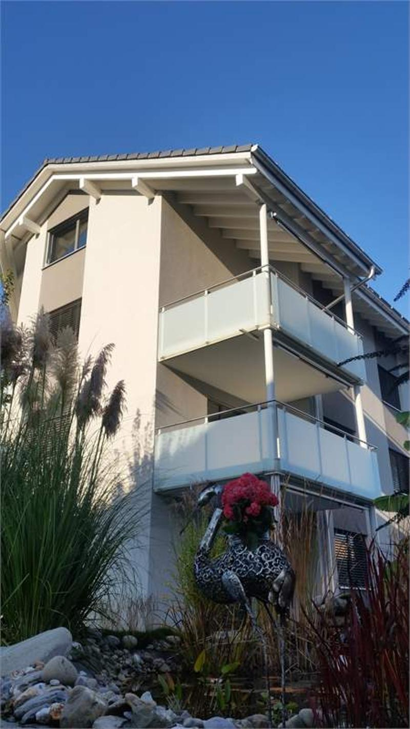 Helle und grosszügige 3.5 Zimmer-Wohnung an zentraler Lage