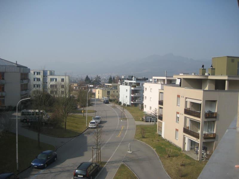 Höhenstrasse West - Einstellhallenplatz Fr. 100.--/mtl.