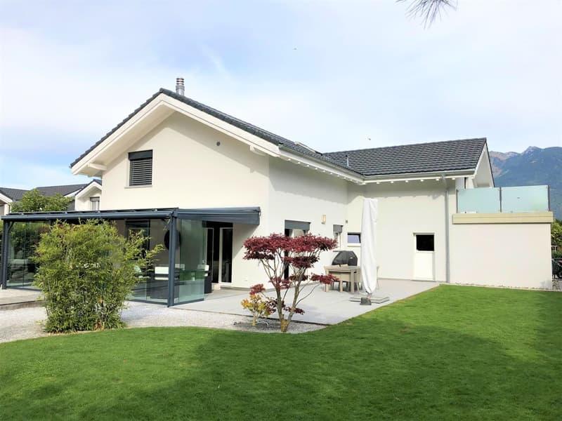 A 5 mn dans le canton du Valais, superbe villa de standing 6,5 pces + grand jardin d'hiver, 250 m2,  terrain 796 m2, calme et résidentiel