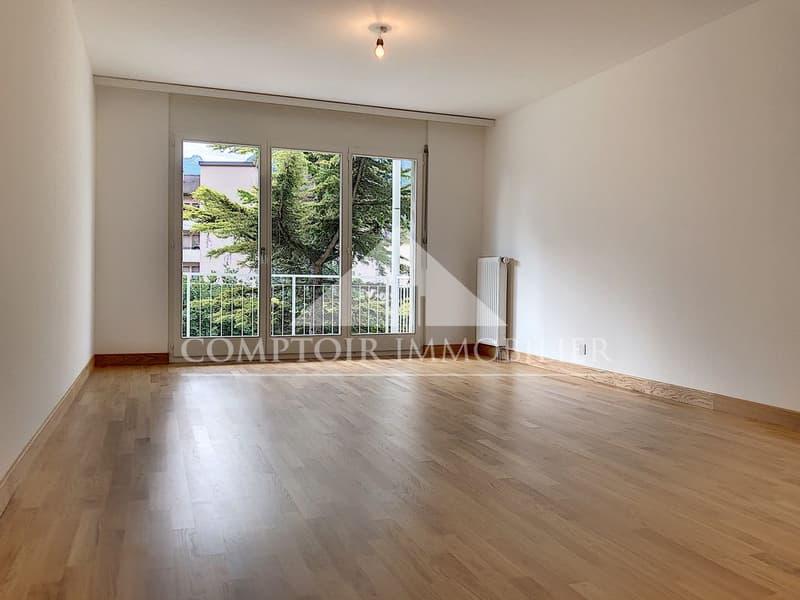 2 MOIS DE LOYERS OFFERTS - Spacieux appartement de 3.5 pièces partiellement rénové avec grand balcon et vue dégagée. (2)
