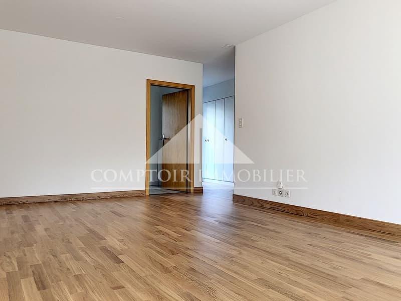 2 MOIS DE LOYERS OFFERTS - Spacieux appartement de 3.5 pièces partiellement rénové avec grand balcon et vue dégagée. (3)
