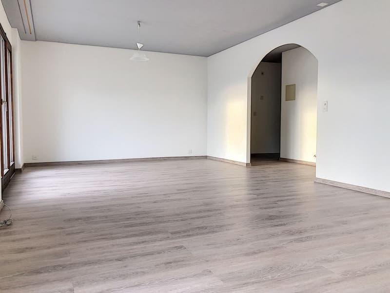 Spacieux appartement rénové de 3.5 pièces dans un quartier calme, à proximité immédiate de la gare de St-Léonard (2)