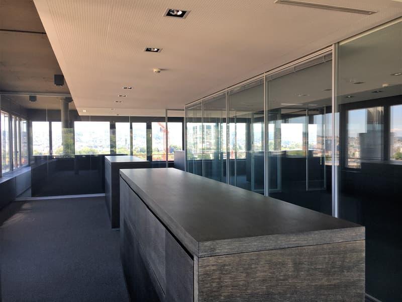 Moderne und bezugsbereite Büros mit 360° Sicht über Zürich - befristete Miete bis 31.10.2022 möglich (1)