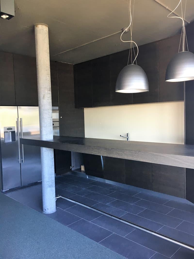 Moderne und bezugsbereite Büros mit 360° Sicht über Zürich - befristete Miete bis 31.10.2022 möglich (3)