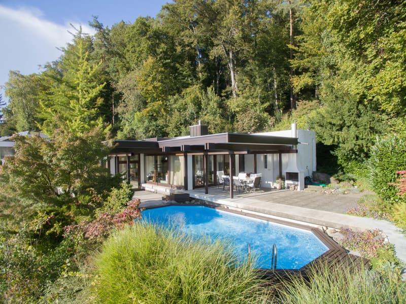 Von der Sonne verwöhntes Einfamilienhaus mit Aussenpool! + 2.5-Zimmer-Einliegerwohnung