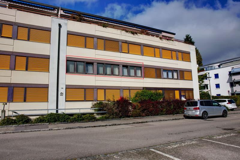 4.5-Zimmer-Eigentumswohnung mit Einstellhallenplatz