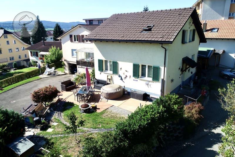 Das ideale Einfamilienhaus für eine junge Familie, ein Bijou mit viel Potential (1)