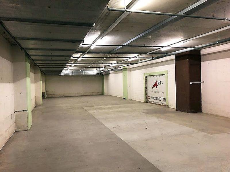 Grosszügiger Lagerraum von 202 m2 direkt im Shoppi Tivoli