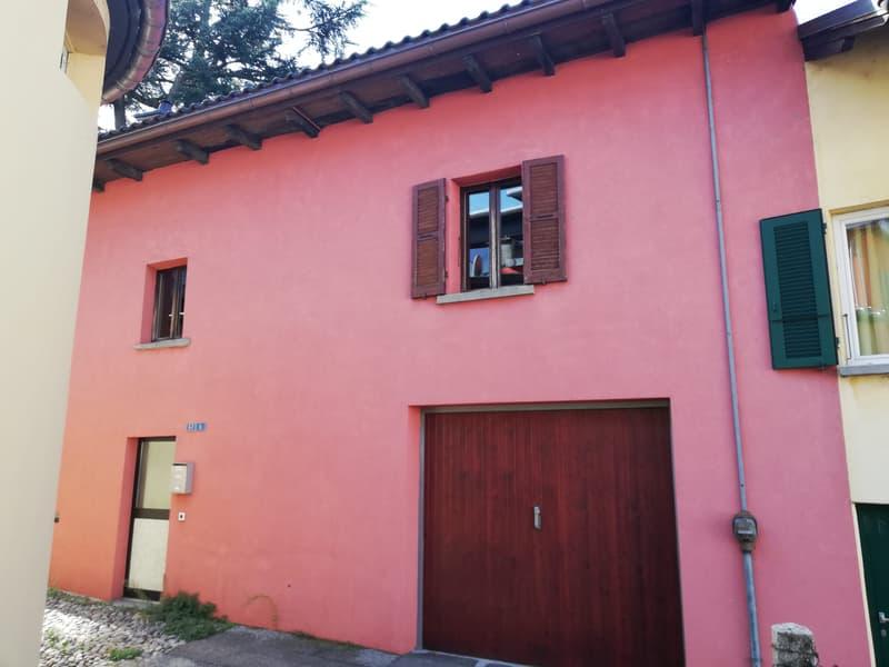 Tipica casa Ticinese nel centro di Giubiasco
