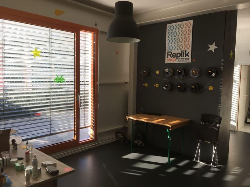 Place de bureau à louer / magnifique atelier au 4è étage + terrasse