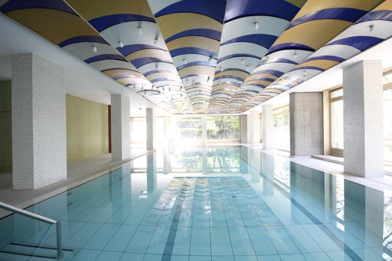 Cologny - Magnifique 3 pièces au 9e étage, terrasse, vue sur les Alpes, piscine intérieure