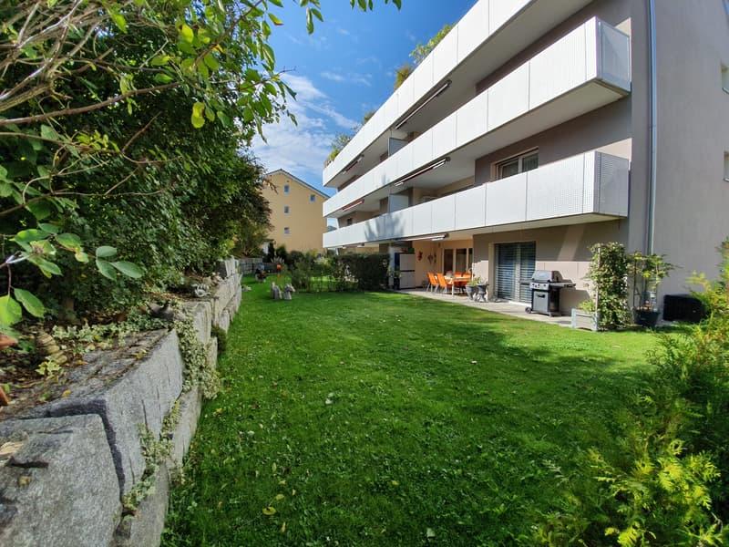 Moderne 3½-Zimmerwohnung mit grossem Garten und viel Privatsphäre