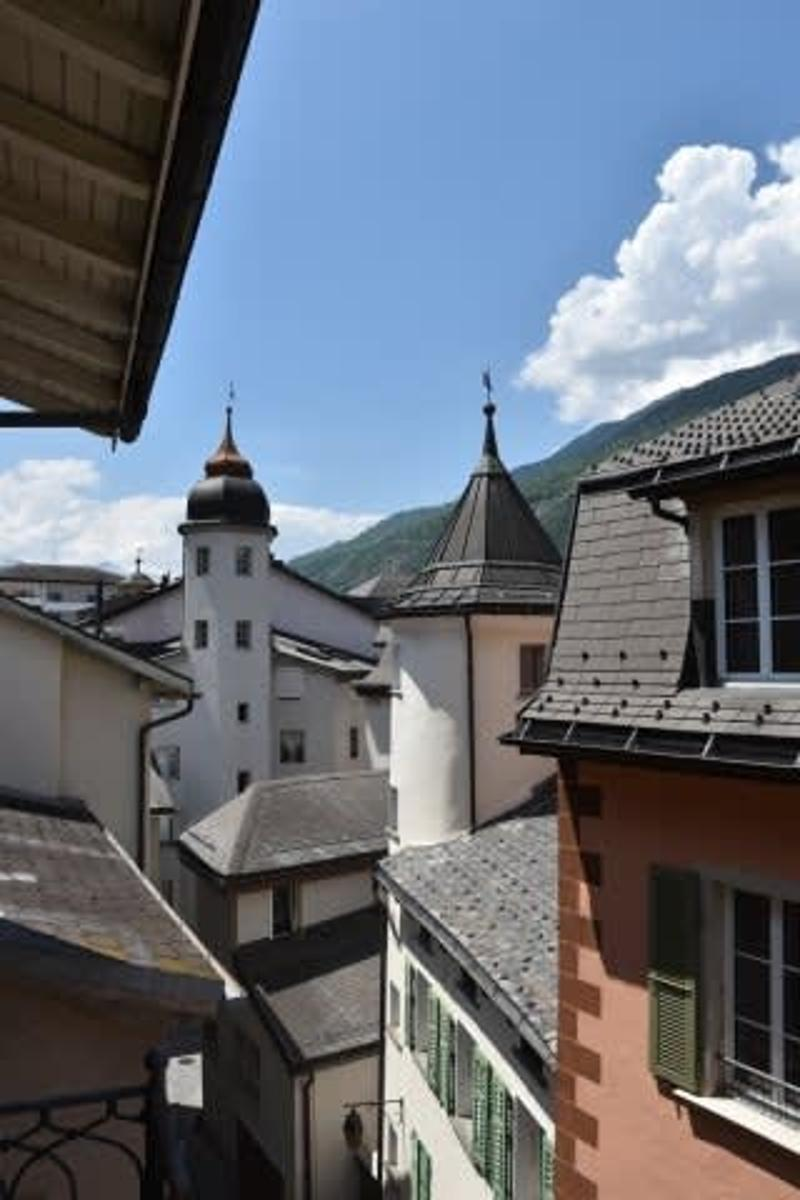 Wohnungen und Geschäftslokal in der Altstadt von Brig