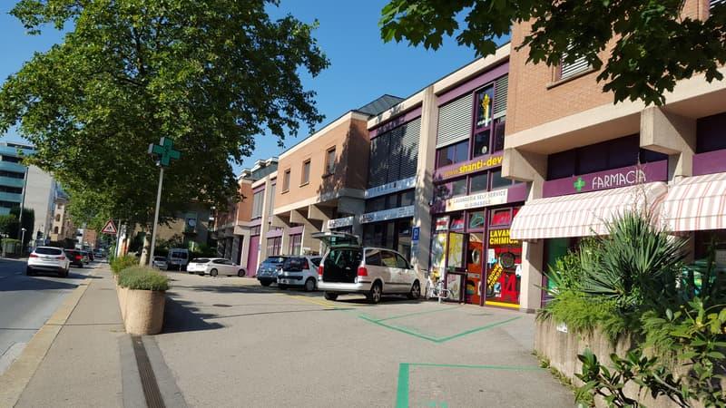 «Spazi commerciali in posizione privileg. nella frequentatissima Lugano» (3)