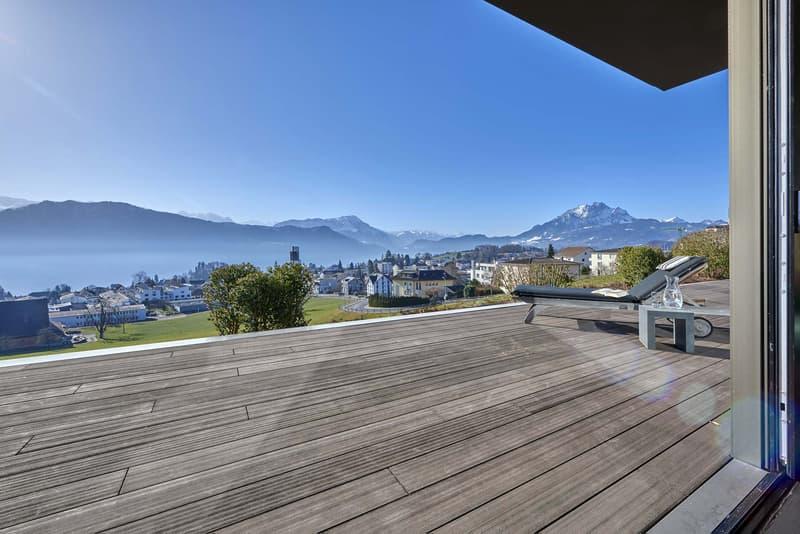 5½ Zimmer Residenz mit grandioser Aussicht. Exklusive Lage mit See- und Bergsicht aus jedem Zimmer.