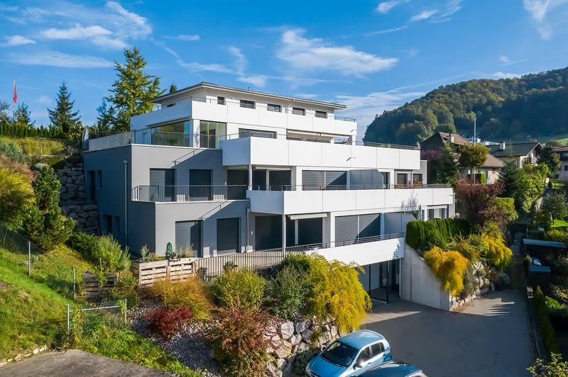Moderne Wohnung mit grosszügigem Garten