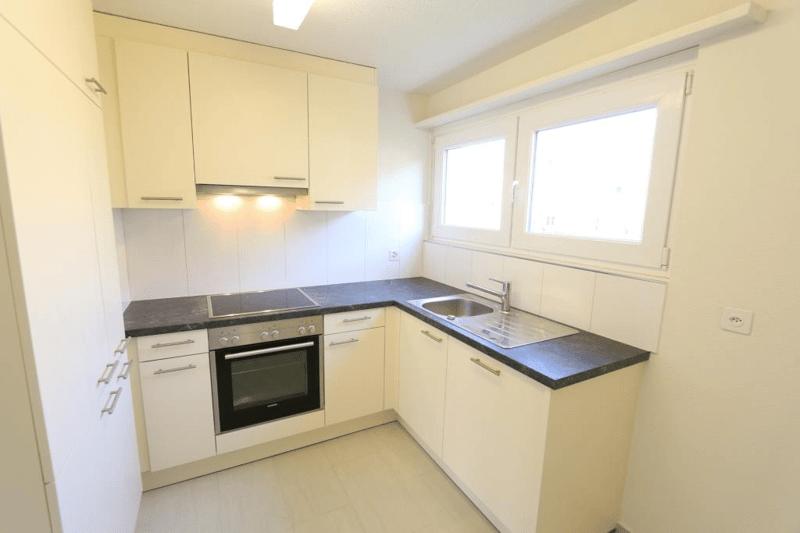 Renovierte Wohnung mit neuer Küche!