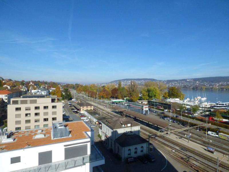 Einstell- und Abstellplätze neben dem Bahnhof Zürich Wollishofen zu vermieten