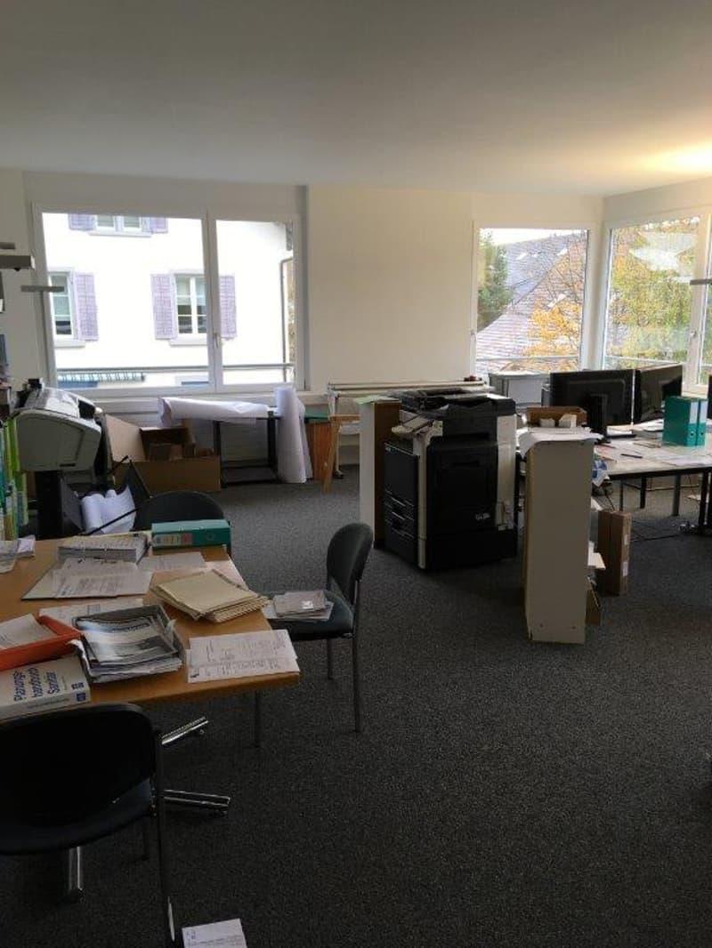 Schöner, heller Büroraum an zentraler Lage