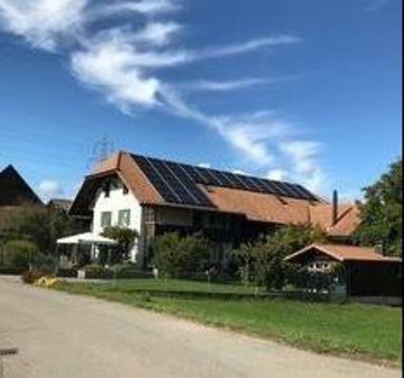In Bauernhaus ruhige, sonnige 4,5-Zimmer-Wohnung (1)