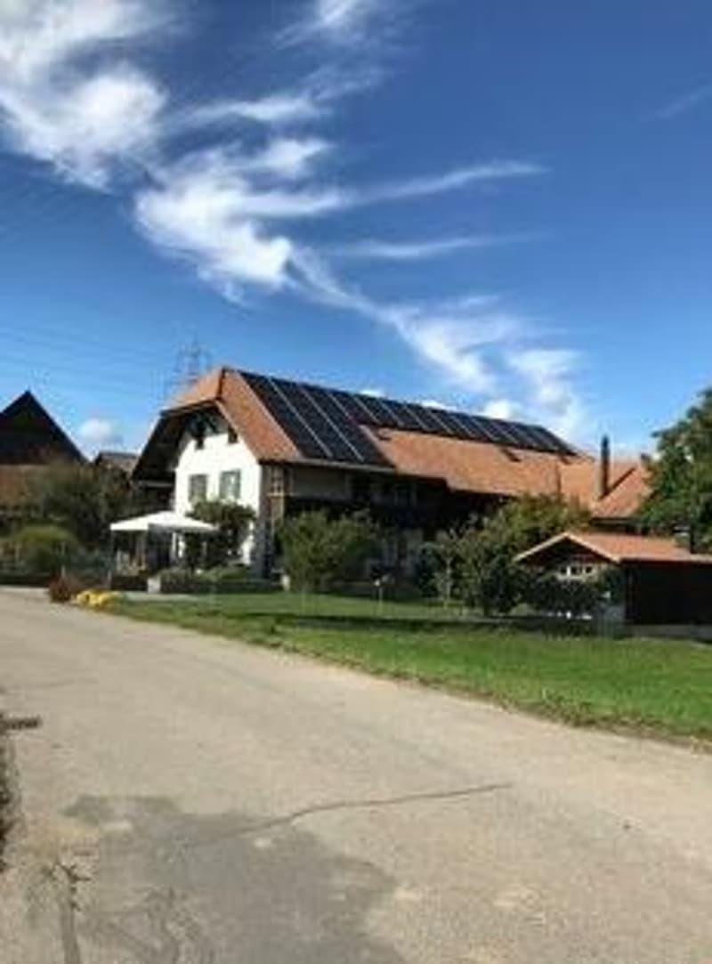 In Bauernhaus ruhige, sonnige 4,5-Zimmer-Wohnung (2)