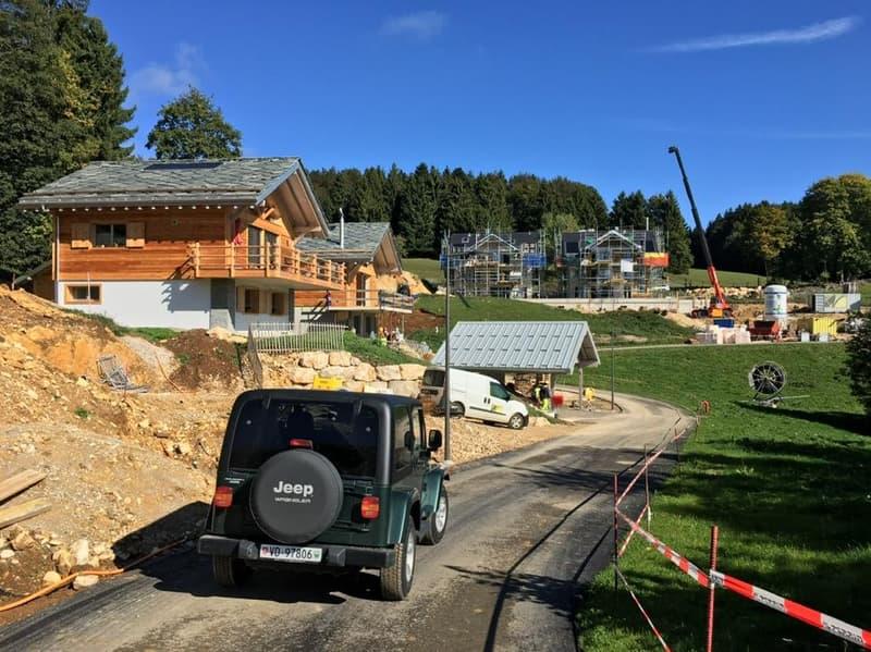 Parcelle constructible, libre de Mandat d'architecte (Cus.0.40) dans nouveau et dernier lotissement à St-Cergue