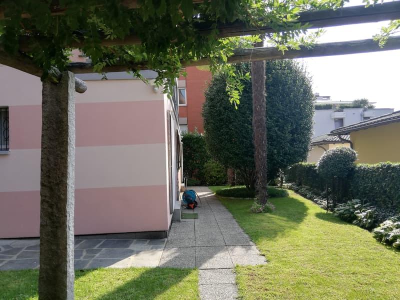 CASA UNIFAMILIARE CON 5 CAMERE DA LETTO - GIARDINO (4)