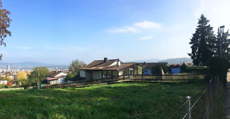 Schönes Grundstück mit freistehendem 5-Zimmer EFH mit Loggia, an ruhiger Aussichtslage