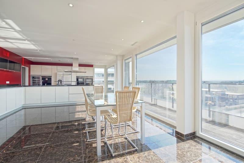 Luxuriöse Lounge mit Aussicht