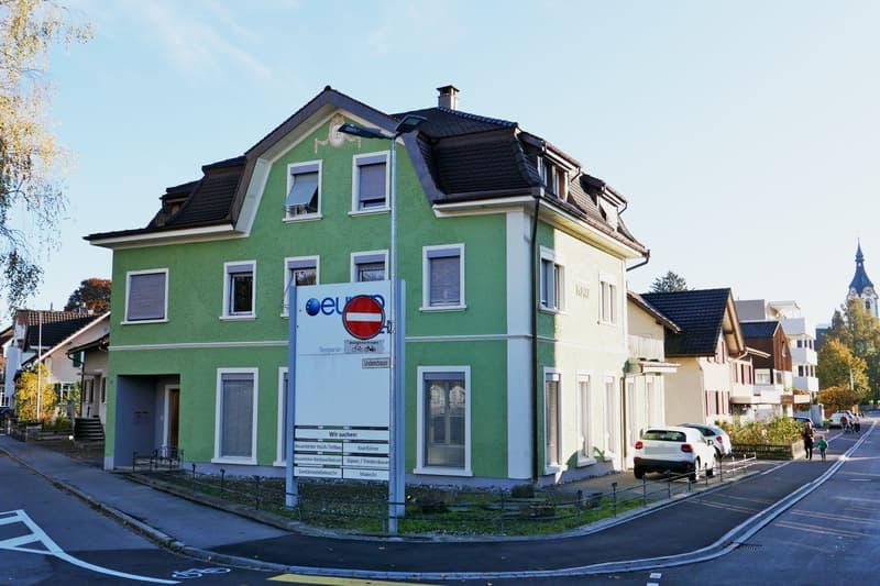 zentral gelegenes Wohn- und Geschäftshaus (2)