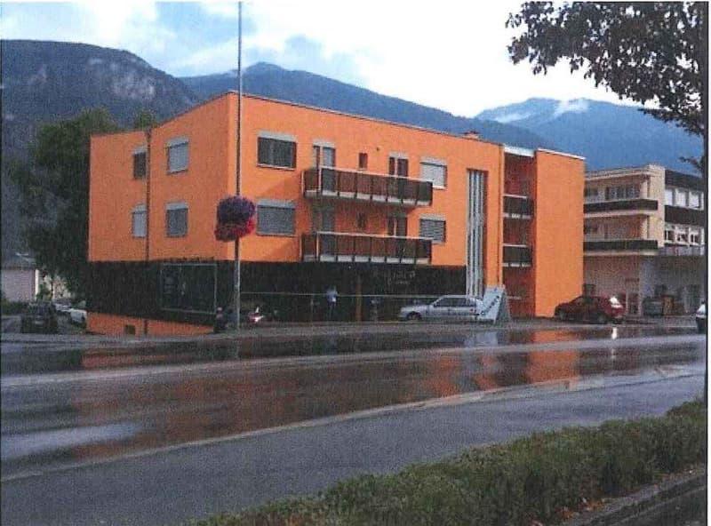 Sierre - Route de Sion 55 - Spacieux local-dépôt vente à l'entrée de la ville - Très bonne situation commerciale - 187 m2