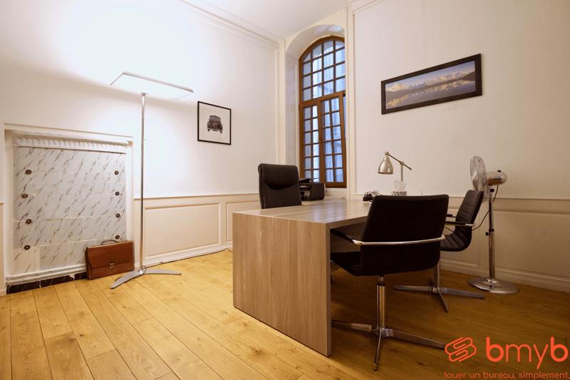 Magnifique bureau à sous-louer dans des locaux de standing