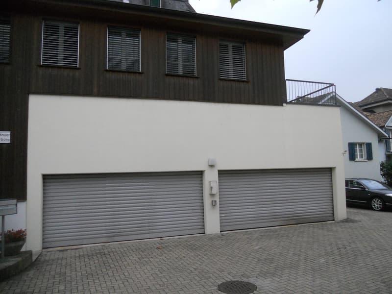Garagenplatz mit Liftsystem