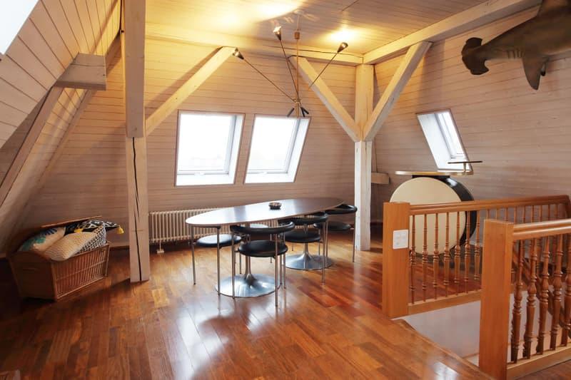 Möblierte 3,5 Zimmer-Maisonette-Wohnung mit grosser Dachterrasse