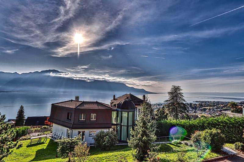 Spacieuse villa avec vue panoramique sur le lac