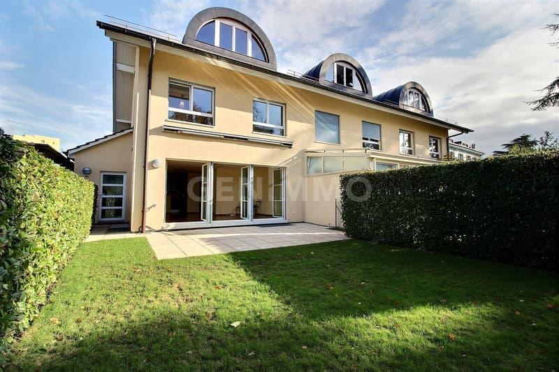 Belle villa mitoyenne en pignon 7 pièces, 4 chambres