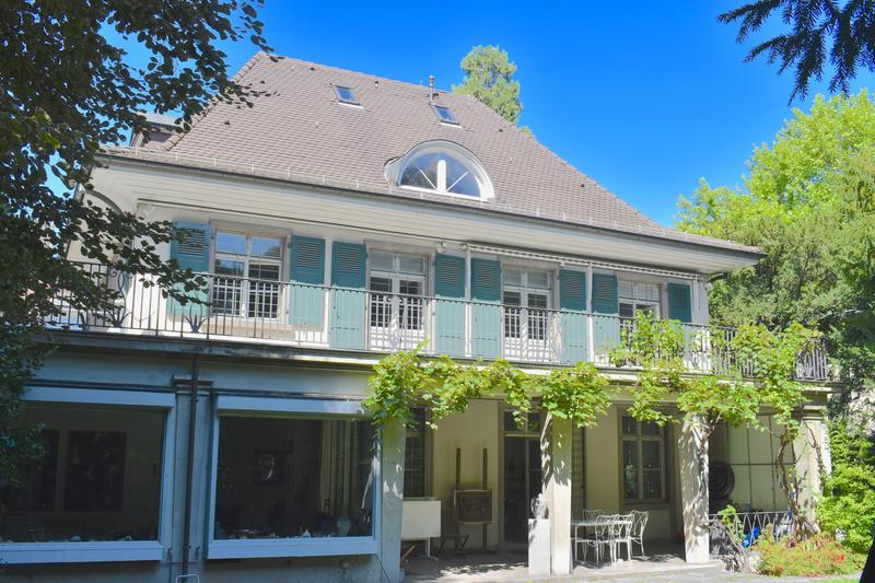 9 room art nouveau villa with garage and large dream garden in the Gellert neighbourhood