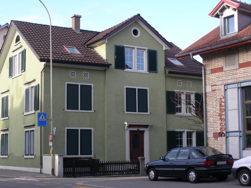 Gemütliche 2-Zimmer WG im historischen Haus zum Rosenegg am Zürisee