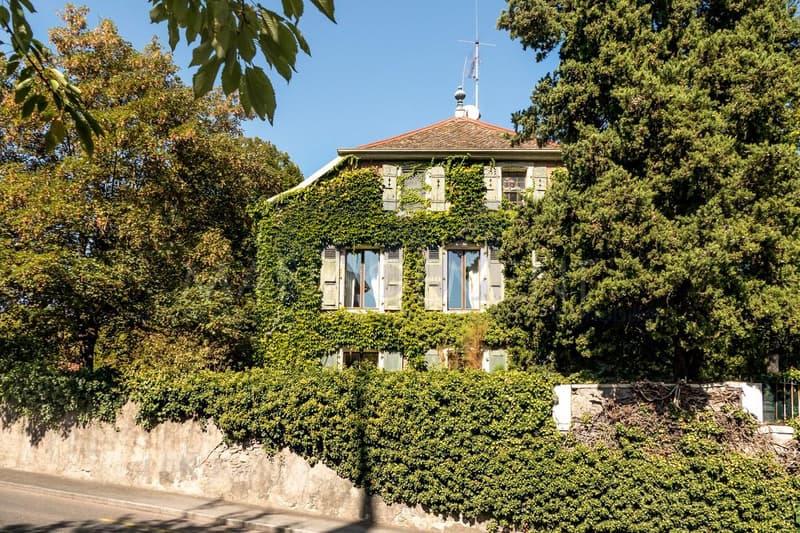 Vandoeuvres, 1-3 Ch. du Manoret - Villa 12 pièces - objet rare au coeur du Village de Vandoeuvres